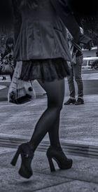 leg's facing - facing legs