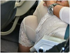 Lei ha dimenticato la gonna?....forsé no:-))