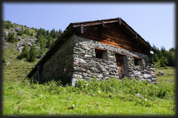 Leicht renovierungsbedürftiges Eigenheim in Traumlage :-)
