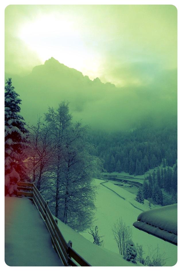 leichter Neuschnee im März 2012 mit Blick auf das Latemar