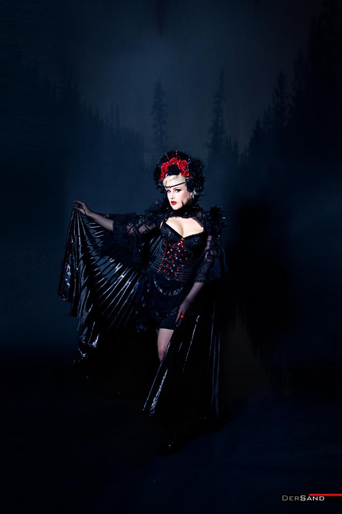 Leila Lipstique - Gothesque-Girl