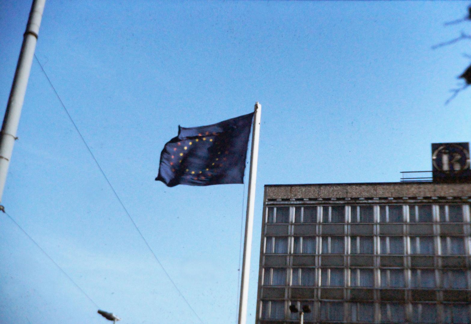 Leipzig, 10. November 1989: Europafahne
