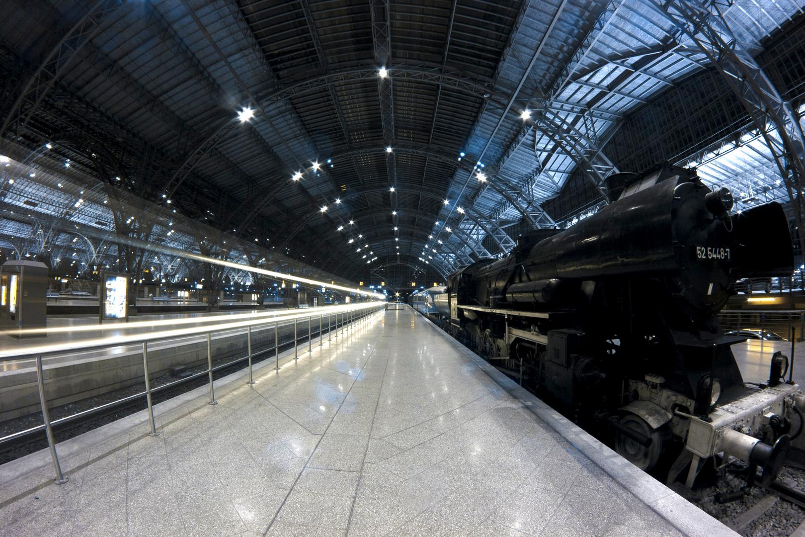 Leipziger Hauptbahnhof in Infrarot