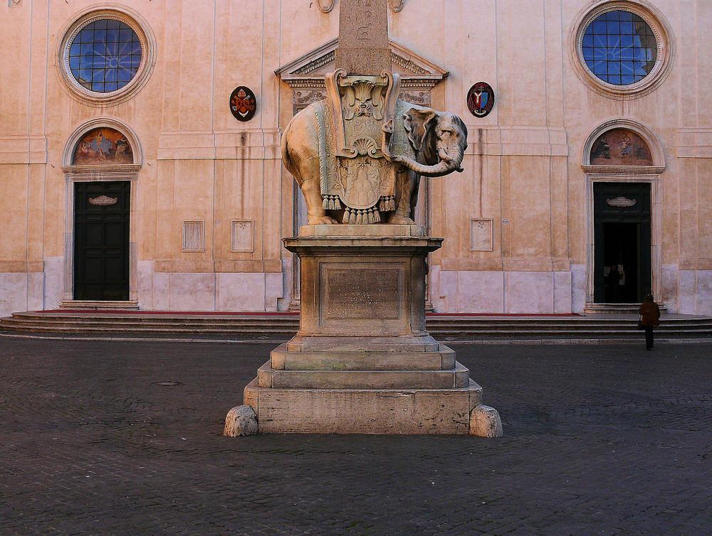 L'ELEFANTINO DI PIAZZA DELLA MINERVA A ROMA