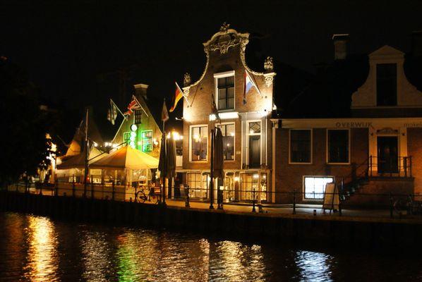 Lemmer (NL) bei Nacht
