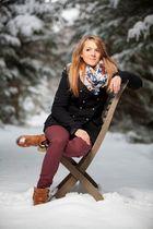 Lena lässig im Schnee