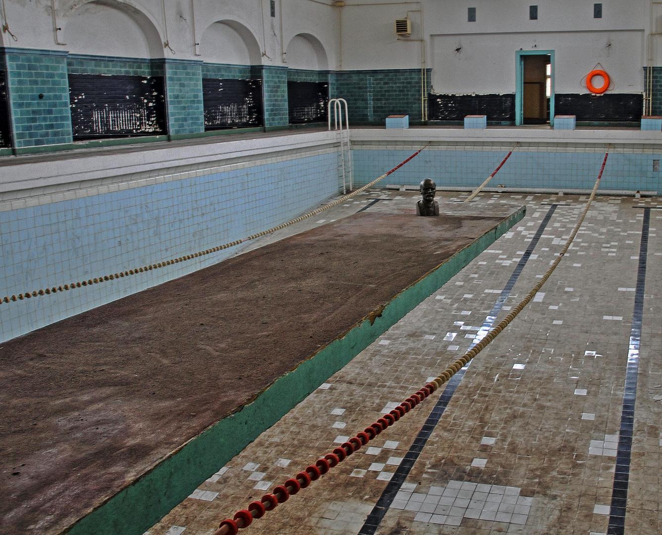 Lenin im Schwimmbad