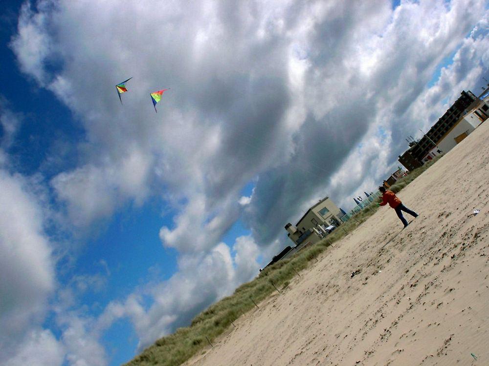 Lenkdrachen am Strand