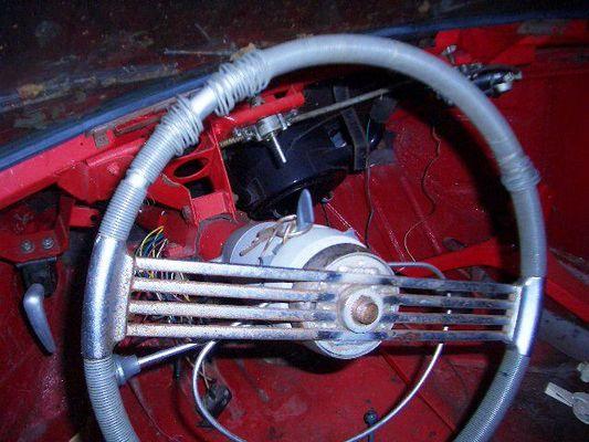 Lenkrad von Simca 9 Sport, Jg. 1953