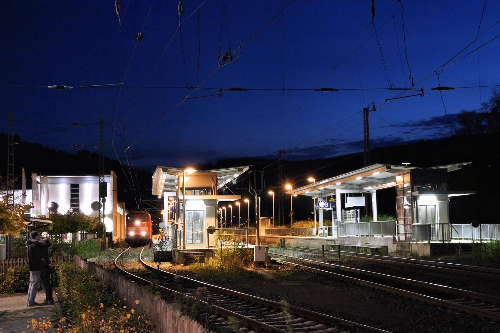 Lennestadt-Altenhundem, Bahnhofsszene
