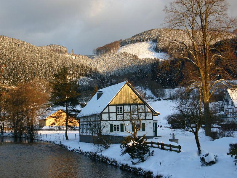 Lennestadt-Saalhausen im Restlicht