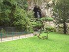 L'entrée de la Grotte du Parc des Buttes Chaumont à PARIS