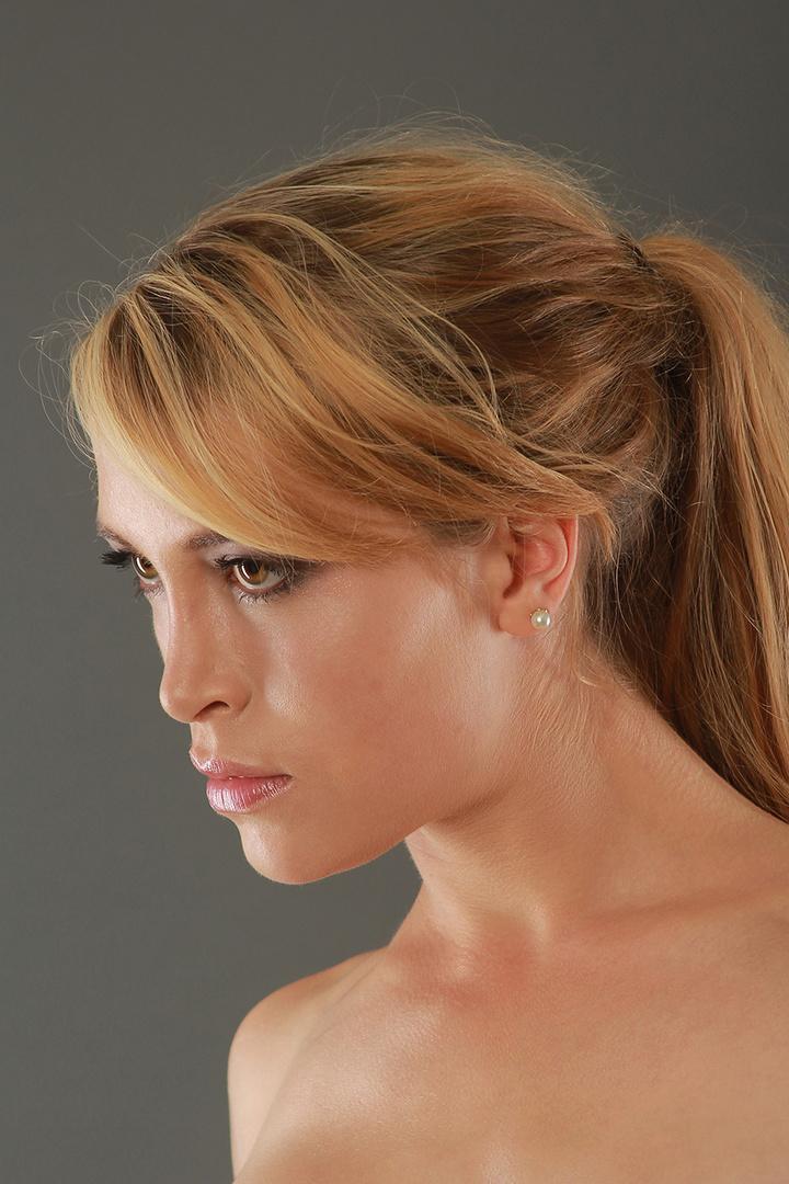 Leonie im Portrait