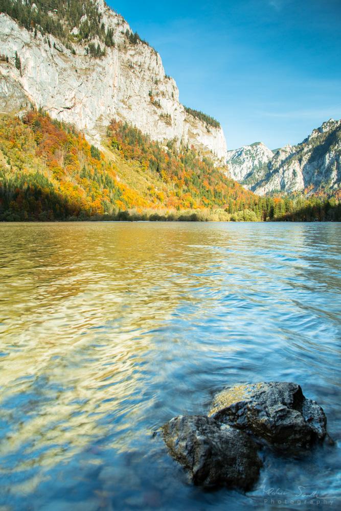 Leopoldsteinersee im Herbst