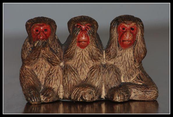 """"""" Les 3 petits singes """""""