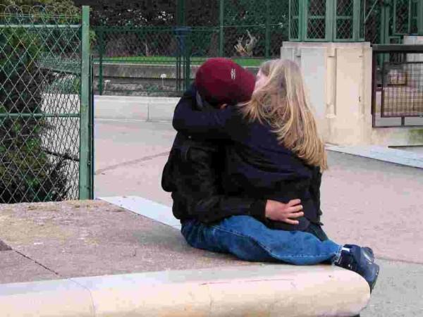 Les amoureux sont seuls au monde...