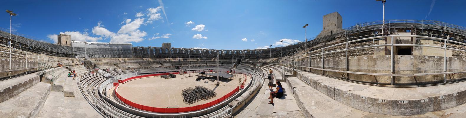 Les Arènes d'Arles à 360°