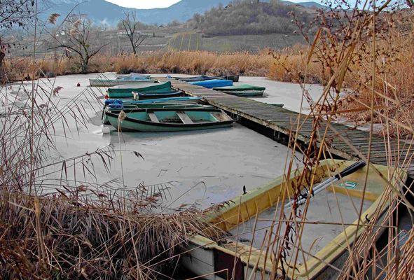 Les barques dans la glace