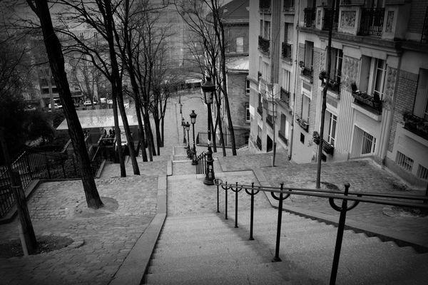 les escaliers à côté du Sacré Coeur...