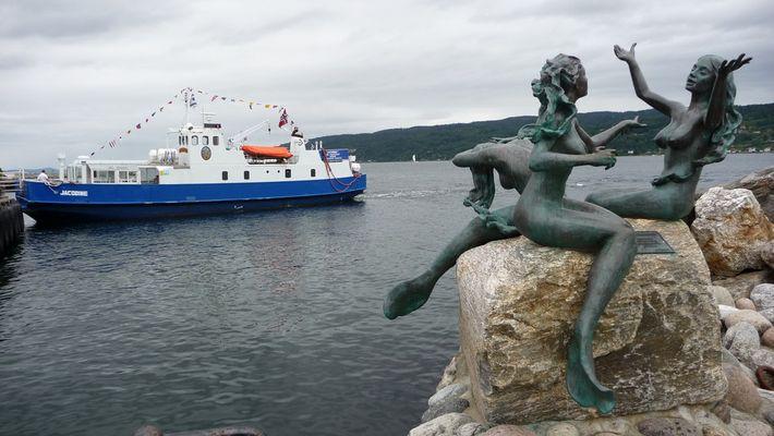 Les filles de la petite sirène de Copenhague ?