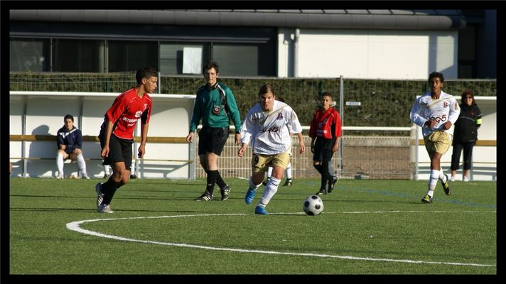 les filles et le foot.