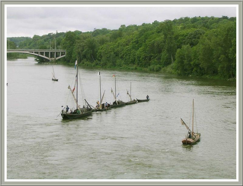 Les gabares transportant le sel de Guérande arrivent à Tours