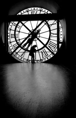 Les heures préfèrent le silence pour fuir