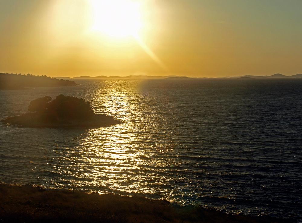 Les isles dans le coucher de soleil ... Die Inseln im Sonnenuntergang ...