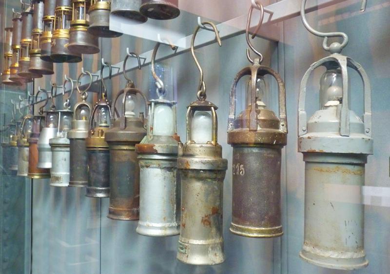 les lampes de mineurs au Bois du Casier à Marcinette Belgique