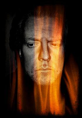 """LES """"live"""" auf der Bühne - Ein Mann Mitte 50 blickt in den Abgrund, zerrissen, brennend - II"""