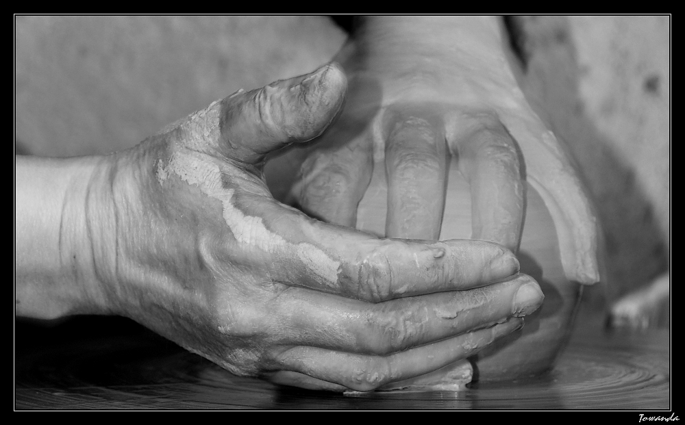Les mains d'argile