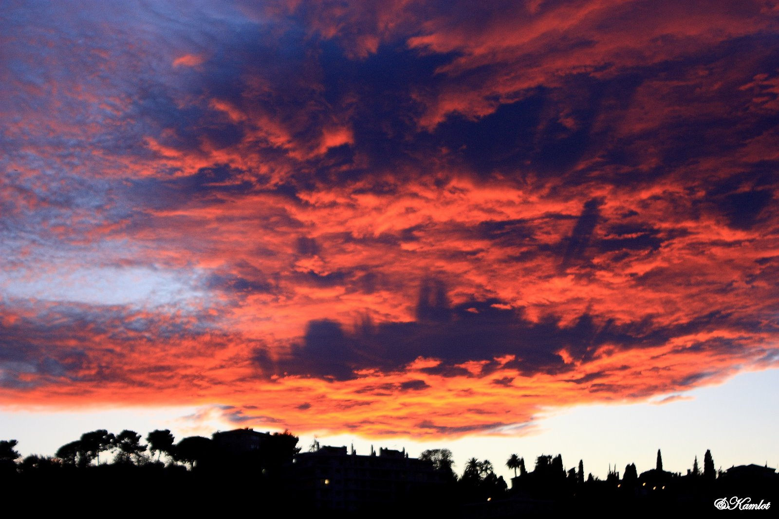 les nuages au couche de soleil