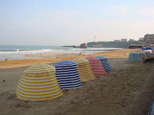 Les parasols de la Grande Plage