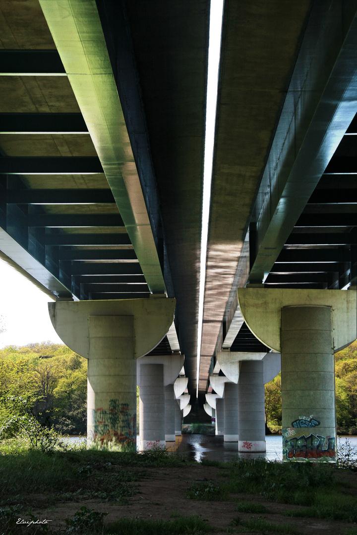 Les piles du pont