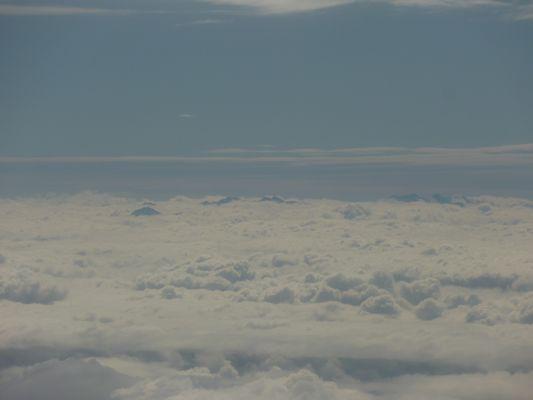 les Pyrénées au-dessus des nuages