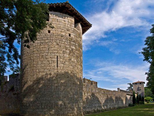 Les remparts et le système défensif  -- Vianne  --  Die Stadtmauern und die Befestigungsanlage