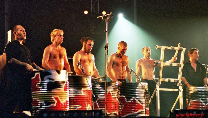 Les Tambours du Bronx 9