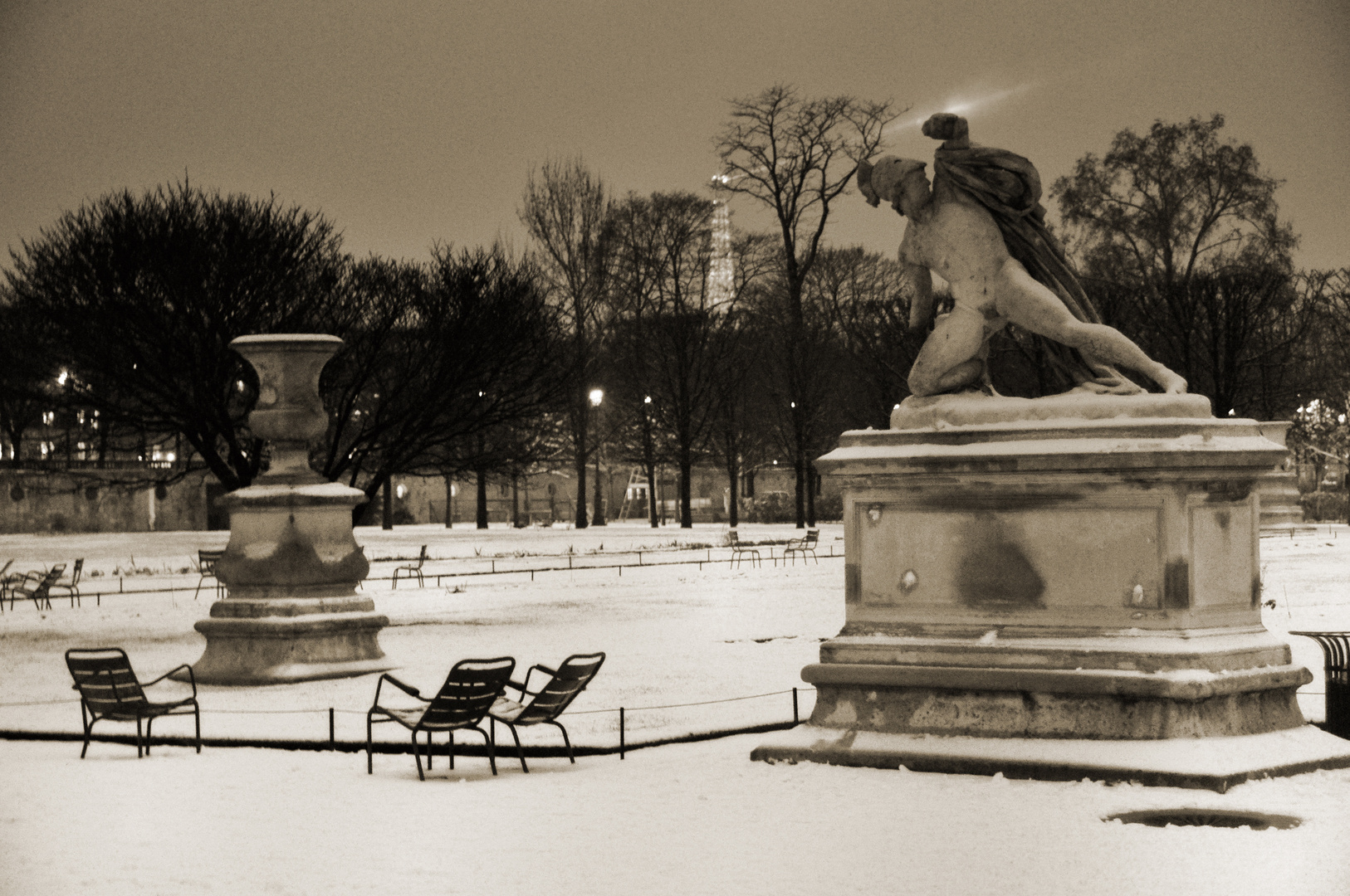 Les Tuileries sous la neige
