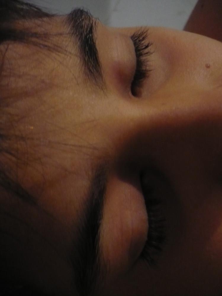 les yeux endormis