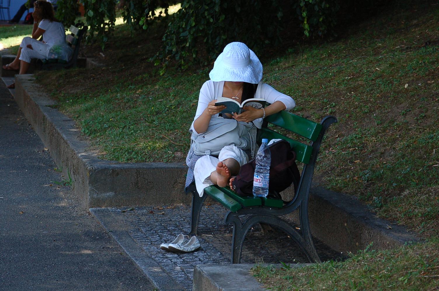 Lesend in Luino 2