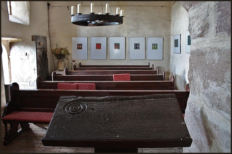 Lesepult mit Bischofsstab in der Kapelle zu Weitersdorf Thüringen