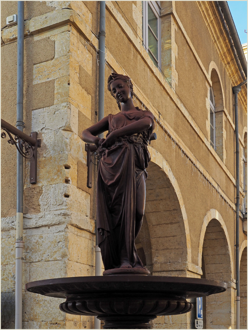 L'Eté   --  Place de la Mairie, Fleurance