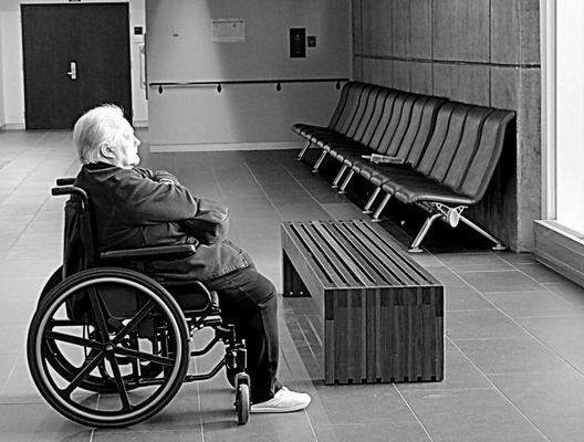 l'éternelle attente et la grande solitude de l'hôpital