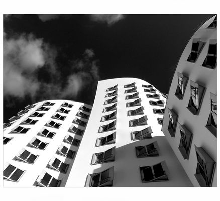 """Let's Dance - """"Das weiße Haus"""" von Gehry"""
