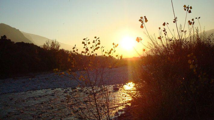 letzter Sonnenschein bei einem Spaziergang