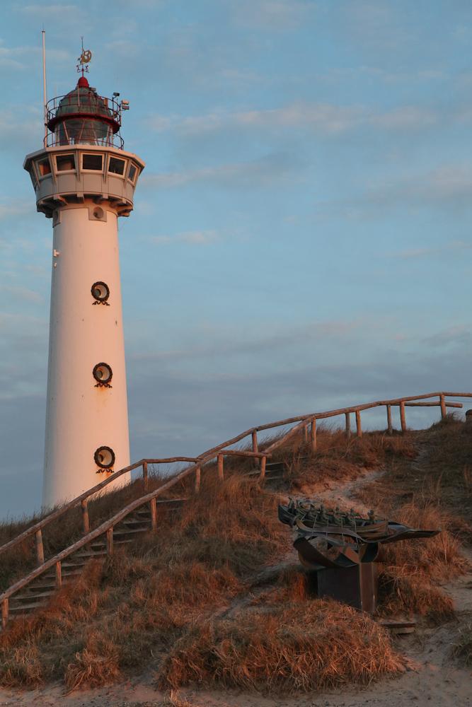Leuchttum Egmond aan Zee im Sonnenuntergang