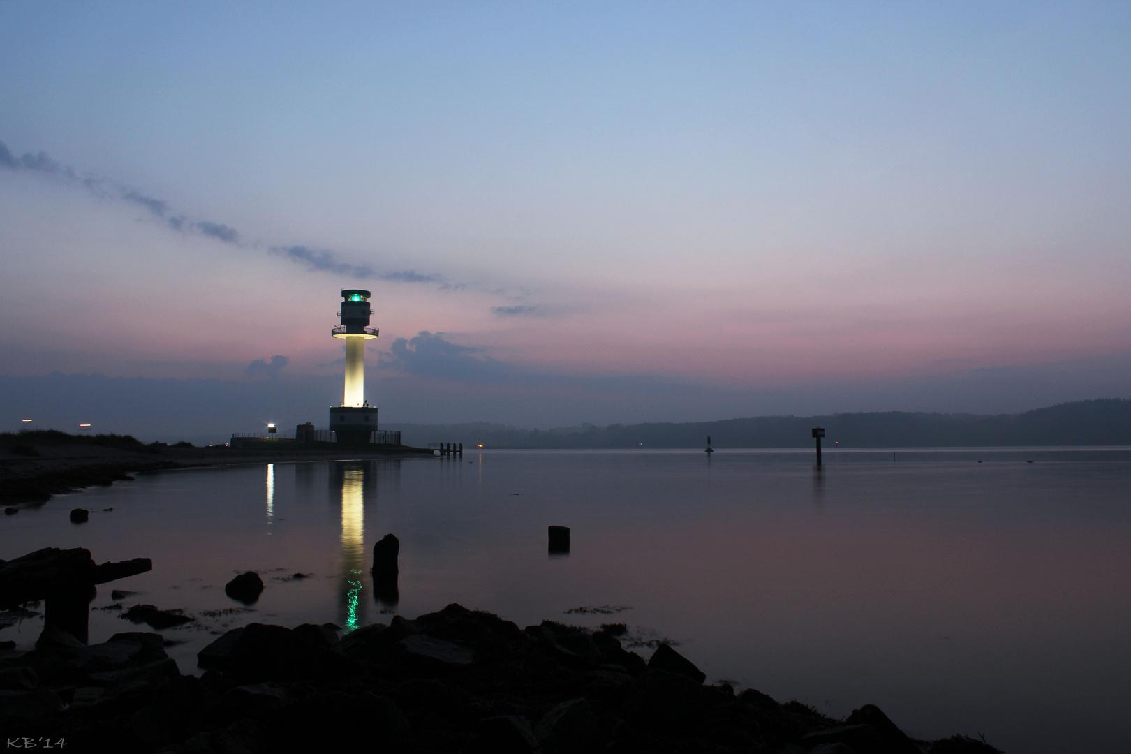 Leuchtturm am Falkensteiner Strand an der Kieler Förde heute früh