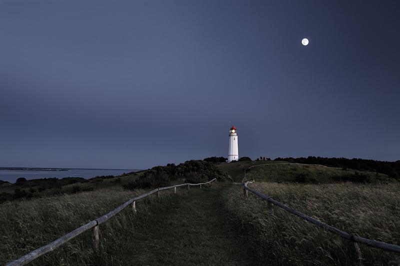Leuchtturm bei Mondschein