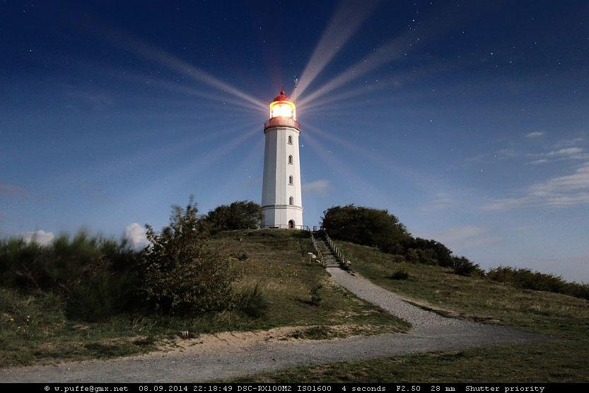 Leuchtturm im Mondschein