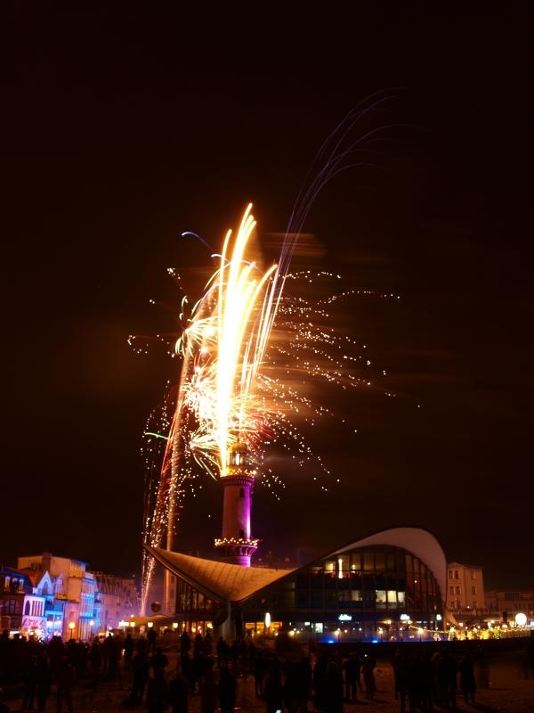 Leuchtturm in Flammen III